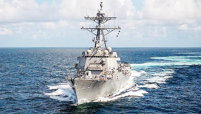 USS John Finn berhasil menembak jatuh rudal balistik antarbenua (ICBM)