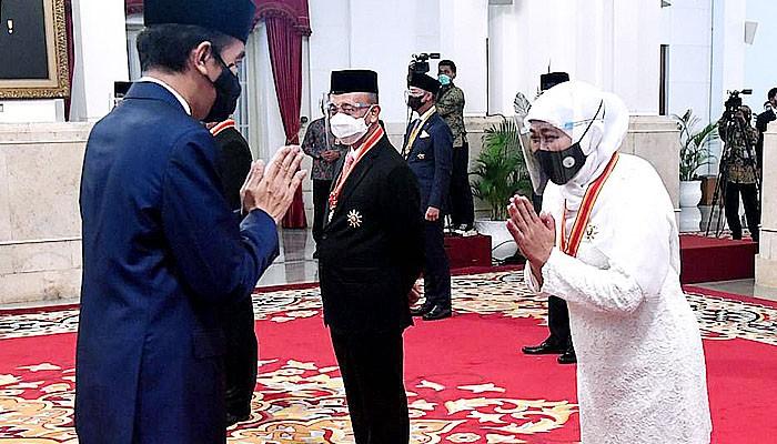 Gubernur Khofifah raih penghargaan Bintang Mahaputera Utama dari Presiden Joko Widodo