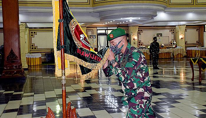 Tiga kursi jabatan di Kodam Brawijaya, diisi perwira baru.