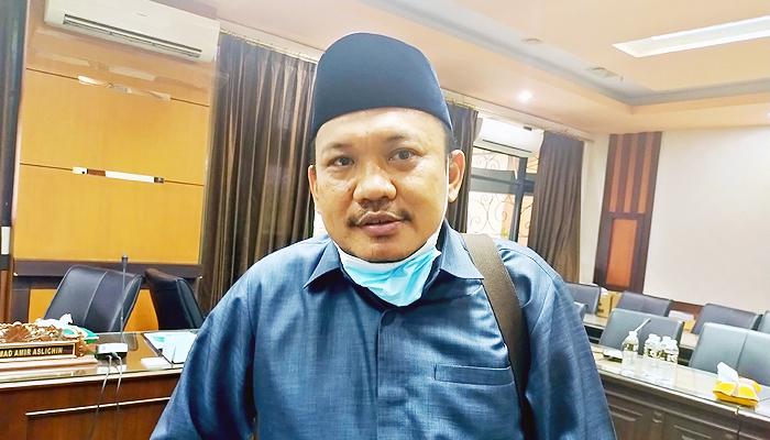 Sapi import setengah juta ekor masuk Indonesia, Dewan Jatim tantang gubernur tolak sapi import.