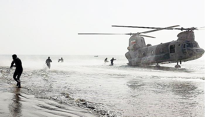 Angkatan Darat Iran tatihan serangan kombinasi amfibi/Tasnim News.