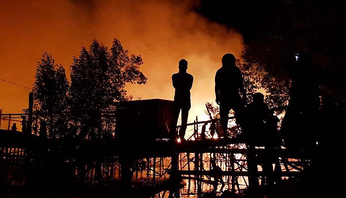 Menengok komunitas KUMAL dalam membantu korban kebakaran di Nunukan.