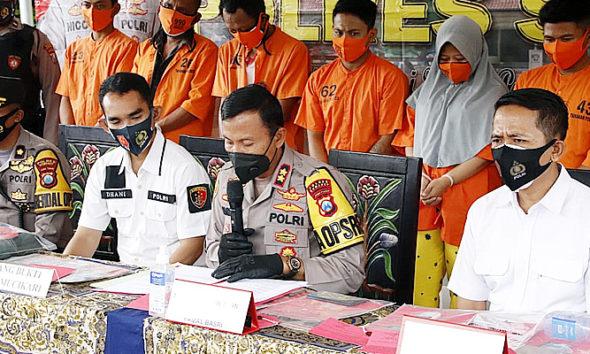 Polisi di Sumenep tangkap mucikari, jajakan PSK tarif 500 ribu lewat aplikasi WA.