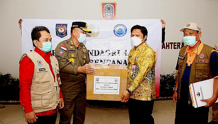 Kemendagri salurkan bantuan untuk korban terdampak banjir di Kalimantan Selatan.