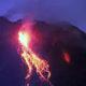 Gunung Merapi kembali muntahkan lava pijar.