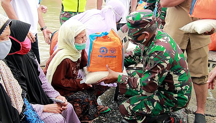 Curah hujan tinggi, Bupati dan Dandim sidak ke sungai Bengawan Solo.