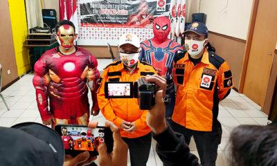 Bantu korban trauma healing banjir Kalsel, PKS Jatim kirim manusia super hero.
