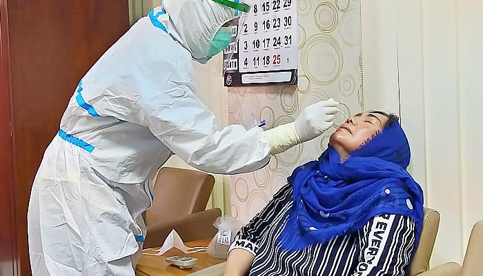Pastikan kesehatan dari Covid-19 saat turun daerah, FPD DPRD Jatim gelar test swab.