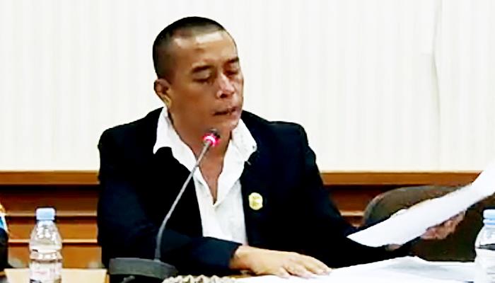 Andre Pratama menilai pemberhentian tenaga honorer secara sepihak sangat tak manusiawi. Anggota Dewan Perwakilan Rakyat Daerah (DPRD)