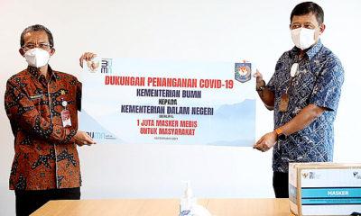 Dukung penanganan Covid-19, Kemendagri terima satu juta masker dari Kementerian BUMN/Foto: Pelaksana Harian (Plh) Sekretaris Jenderal (Sekjen) Kemendagri Hamdani.