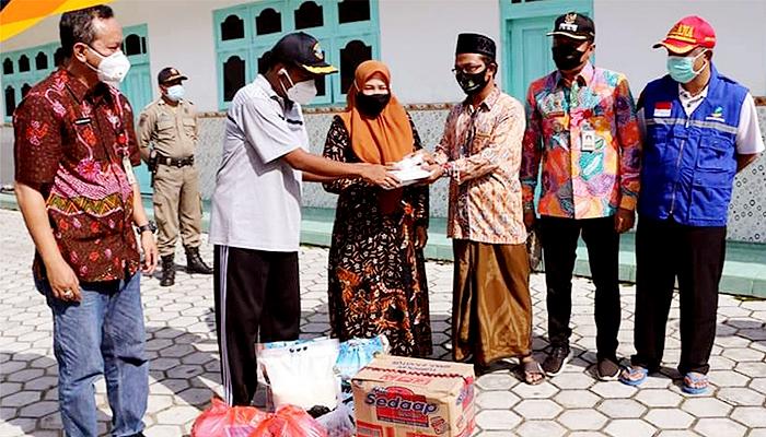 Bupati Sumenep kunjungi lokasi terdampak danjir Ponpes Darul Ulum Ganding.