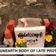 Otoritas Myanmar gali kuburan korban penembakan untuk diotopsi.
