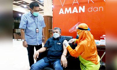 Tahap II, anggota DPRD Jatim rame-rame vaksinasi Covid-19.