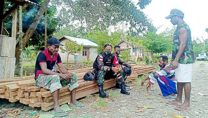 Satukan visi dan misi demi kemajuan, pasukan Yonif Mekanis 512 rela kunjungi setiap kepala suku di Papua.