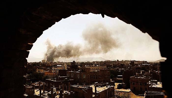 """Perang Yaman: Aset strategis Saudi dihajar serangan """"Kamikaze"""" dan Rudal Yaman."""