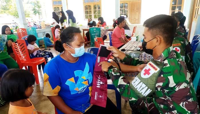 Kekurangan tenaga medis, Satgas 512 kirim personel ke Distrik Mannem.
