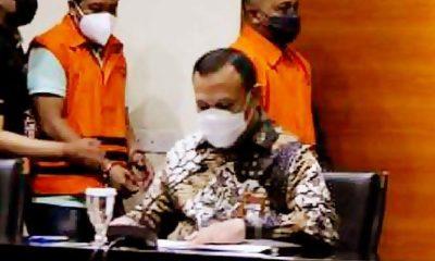 Penyidik KPK diduga terima suap Rp 1,3 miliar dari walikota Tanjungbalai.