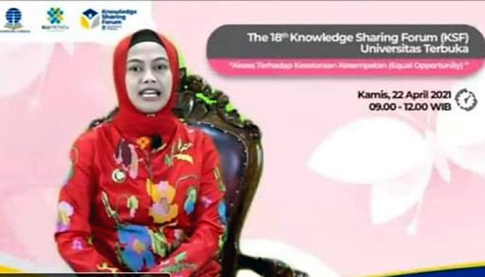 Menengok eksistensi Asmin Laura Hafid dikancah nasional.