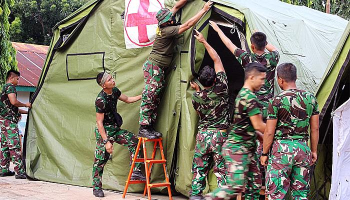 Bantu korban bencana NTT, Marinir TNI AL dirikan Posko Kesehatan.