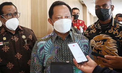 Mendagri beri teguran keras kepada Gubernur Papua.