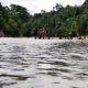 Family Gathering SLB Negeri Pembina Aceh Tamiang ke Pantai Sungai Kaloy.