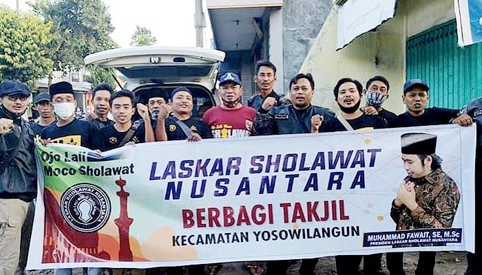 Laskar Sholawat Nusantara Tebar Ratusan Ribu Takjil dan Paket Sembako di Jatim
