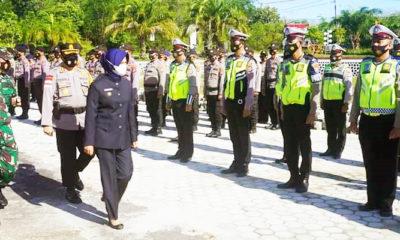 TNI/Polri dan pemerintah gelar pasukan operasi Ketupat Kayan 2021.