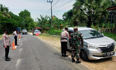 Hari pertama larangan mudik pos pantau perbatasan Pamekasan-Sumenep peketat pemeriksaan.
