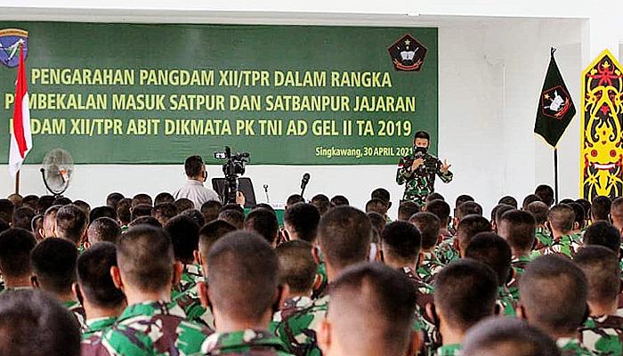 Pembekalan Pangdam Tanjungpura pada prajurit Tamtama.