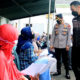 Antusiasme tinggi masyarakat Tuban mengikuti vaksinasi masal.