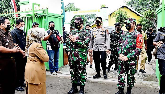 Kolonel Dariyanto minta TMMD Jombang harus sesuai sasaran.
