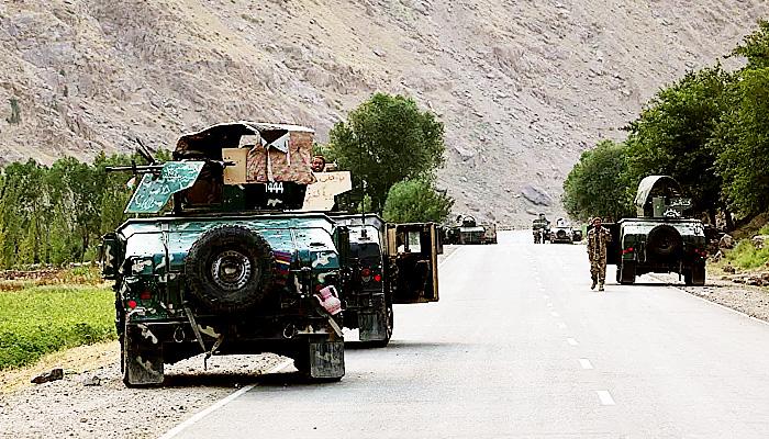 Taliban rebut pos pabean di perbatasan sebagai sumber pendapatan baru.
