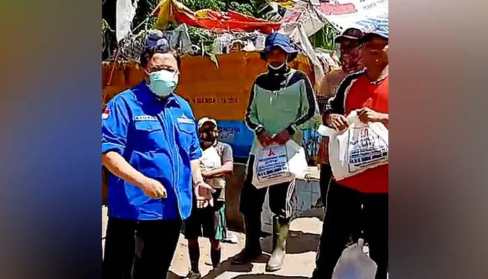 Pandemi Covid-19 di Madura tinggi, Legislator Demokrat Zaenal Abidin bagi bantuan kemanusiaan.