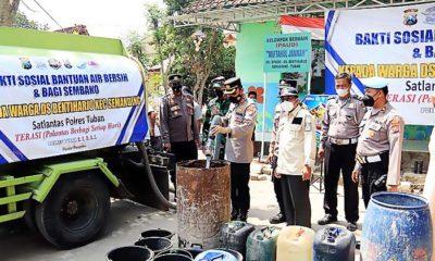 Terdampak Kekeringan, Polres Tuban Salurkan 40 Ribu Liter Air Bersih Kepada Warga